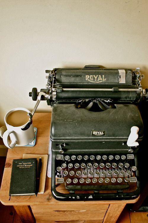 739d9-typewritter